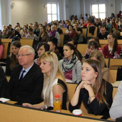 Aleksandr Dubcek Universiteti