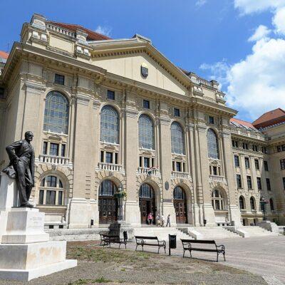Debrecen Universiteti