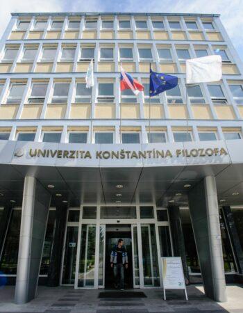 Filosof Konstantin Universiteti
