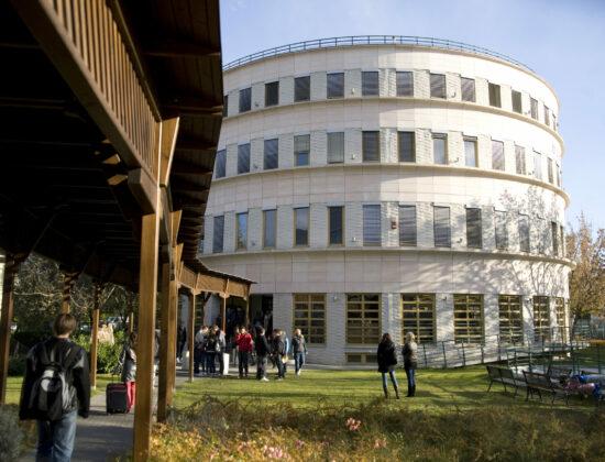 Budapesht Metropoliten Universiteti