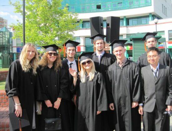 Lazarski Universiteti