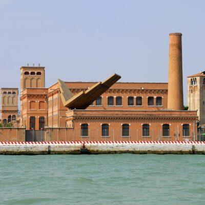 Venetsiya Iuav Universiteti