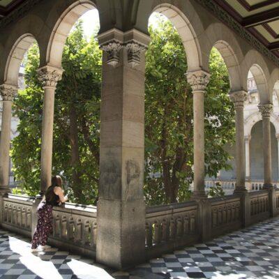 Barselona Universiteti
